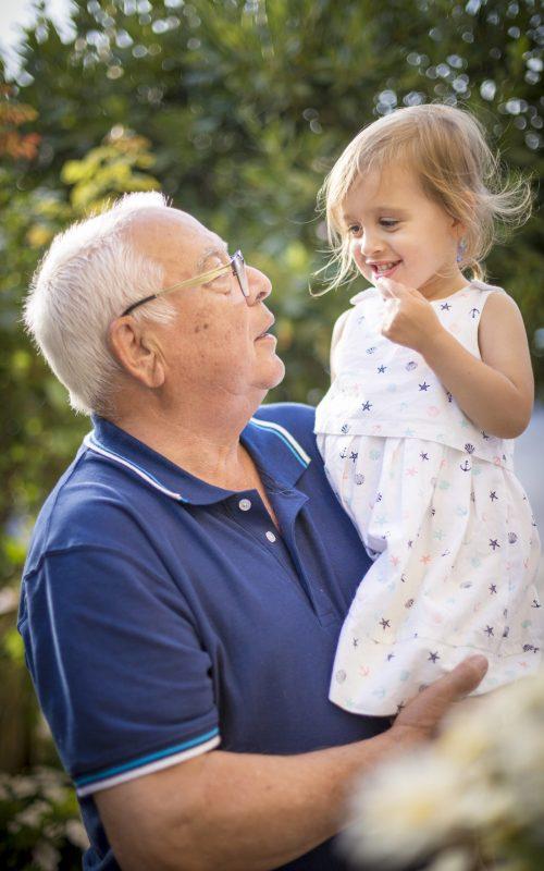 Fotografía Lifestyle abuelo y nieta